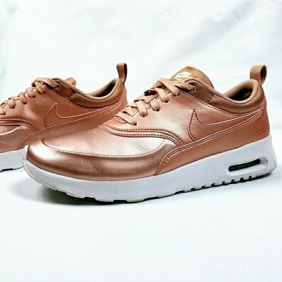 buy online f31da c1b9a Nike Air Max Thea Rose Gold Sneakers. M 5a566b6436b9de444b015ecb